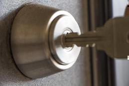 玄関鍵の種類と防犯のための選び方|玄関リフォーム