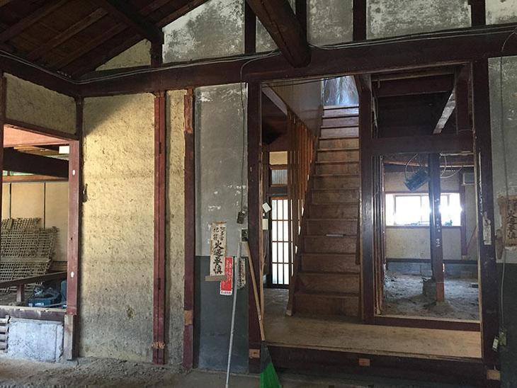 内部解体工事もだいぶ進みました!新築のように生まれ変わるのが今から楽しみです。担当:内田