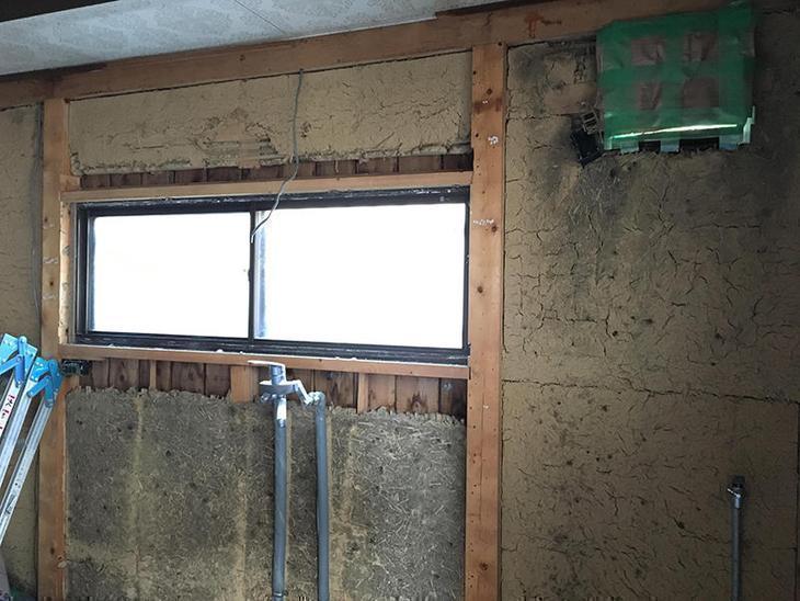 キッチンの解体が終わりました。配管、電気配線の仕込みにはいります。担当:亀田
