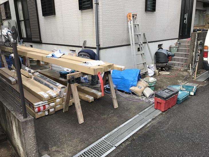 門扉などを解体し、オープン外構にします!かっこいいカーポートも据付けるので楽しみです。担当:稲田
