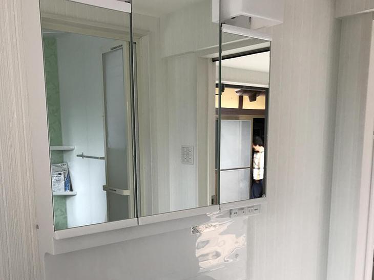 洗面化粧台も設置完了しました。色もホワイトで全て統一して納めました。担当:奥田・濵﨑