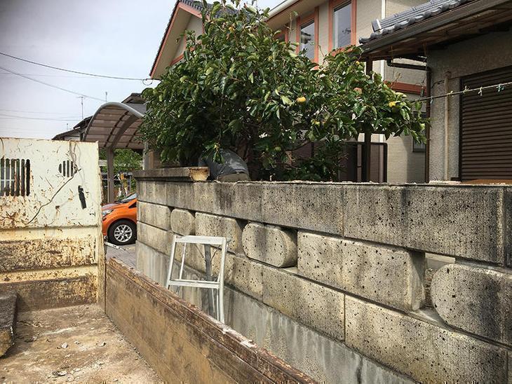ブロック塀の解体です。安全を優先に。担当:吉田