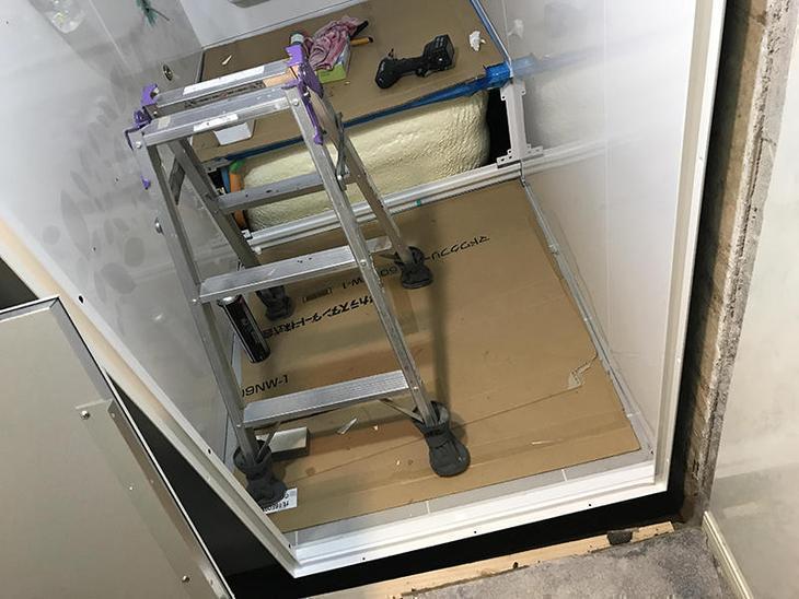 ユニットバスを組み立てています。タカラスタンダードのお風呂です!担当:高見・古屋