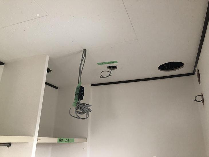 照明、換気扇の電気配線の仕込みが終わりました!担当:山中