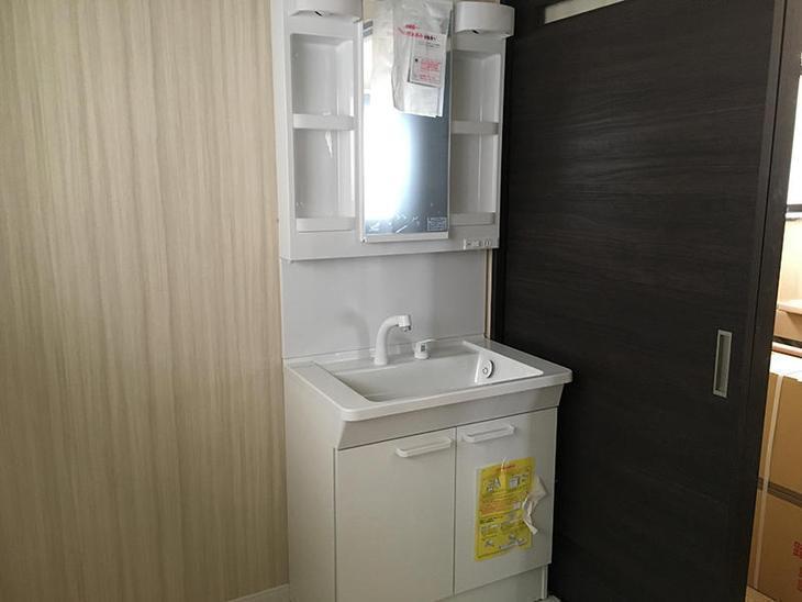 全面改装後半。内装が終わり洗面台が付きました。担当:吉田・古屋