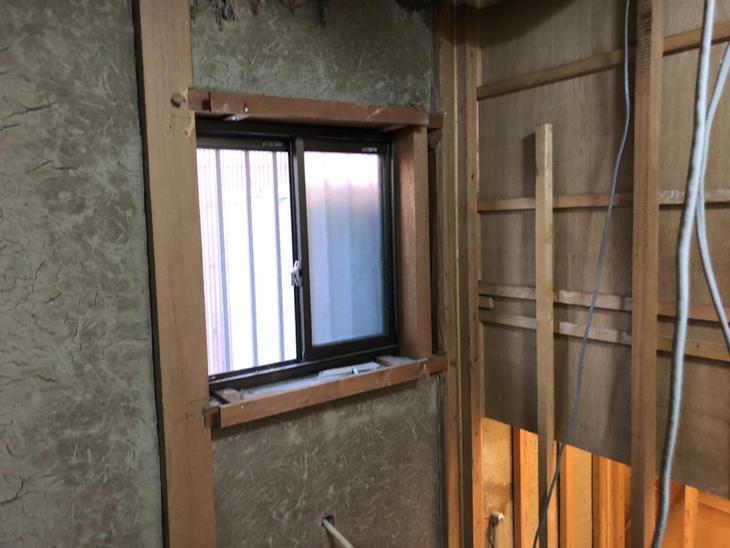 浴室の解体作業が終わりました。これから設備配管や電気配線を準備をしていきます!【彦根店】古屋・島田