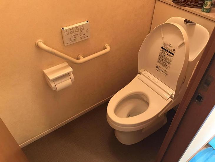 トイレの交換と床をクッションフロアに貼り替えました!【八日市店】金ヶ﨑