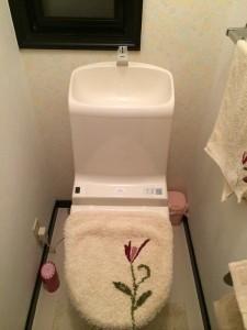 トイレに花を