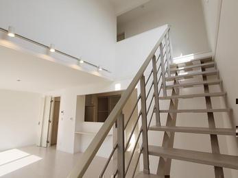 空間の広がりを最大限に生かした機能的なお家