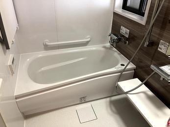断熱仕様に、ほっカラリバスルーム