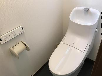お掃除しやすい、LIXIL一体型トイレ