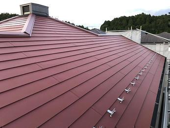 太陽のように赤く明るく丈夫な屋根に!