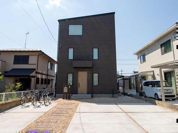眺望抜群のシンプルモダンな家
